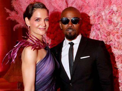 Katie Holmes y Jamie Foxx en la gala del Museo Metropolitano de Nueva York, el lunes.