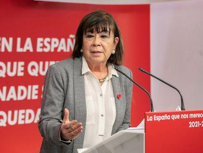 La presidenta del PSOE, Cristina Narbona durante la rueda de prensa que ha ofrecido este lunes en Ferraz tras la reunión de la Comisión Permanente del PSOE.