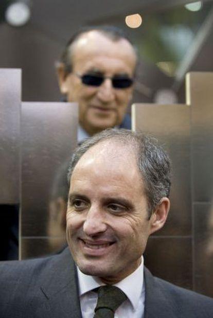 El expresidente Francisco Camps y en segundo término Carlos Fabra, en una imagen de archivo.