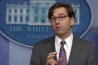 El presidente del Consejo de Asesores Económicos de la Casa Blanca, Jason Furman, comparece ante los medios en la Casa Blanca, Washington DC, EE.UU..