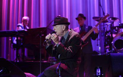 Leonard Cohen, durante su concierto de anoche en Barcelona en el Palau Sant Jordi.