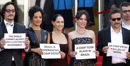 Protestas del elenco de 'Aquarius' en Cannes