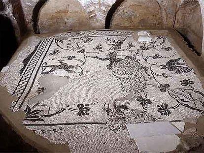 Suelo de mosaico de la necrópolis descubierta en 2003 en el Vaticano, que se abre mañana al público.