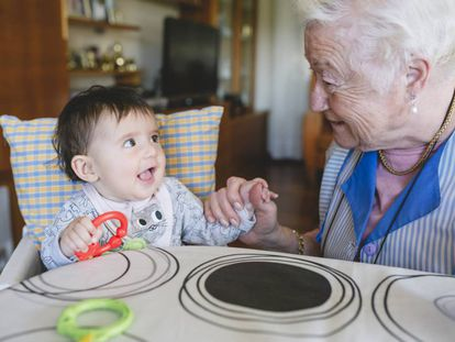 Abuelos del siglo XXI: ¿y cuándo descansan?