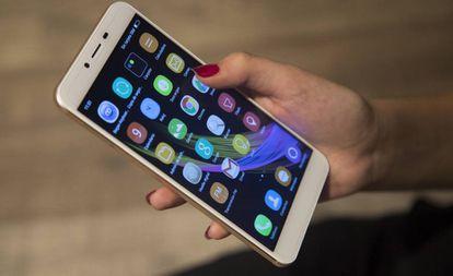 El Instituto Nacional de Estadística (INE) comienza este lunes el estudio de los desplazamientos de los españoles a partir de los datos de sus teléfonos móviles.