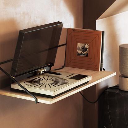 El tocadiscos Bang & Olufsen Beogram 4000c es uno de los modelos recuperados como parte de la colección de clásicos de la firma danesa. Lanzado el pasado otoño, solo se pusieron 95 unidades a la venta.