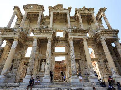 Ruinas de la biblioteca de Celso en Éfeso (Turquía)..