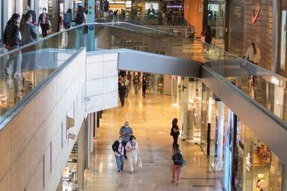Los centros comerciales, como el de Illa Diagonal, en Barcelona, abrieron en la fase 2 de desconfinamiento.