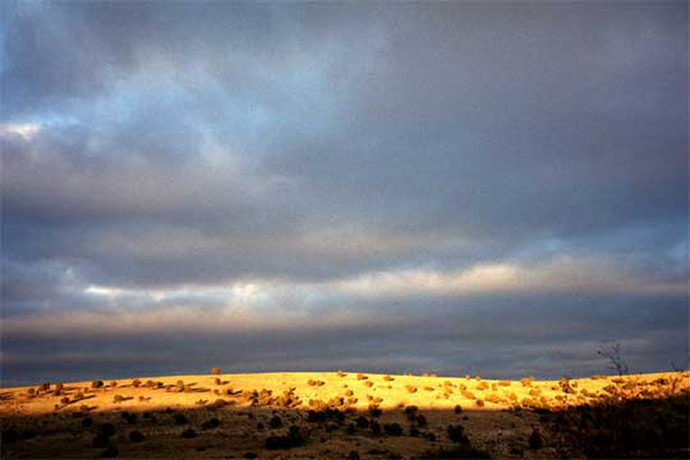 La ruta de Goya avanza por carreteras secundarias y paisajes dramáticos como éste, en los alrededores de Albarracín.