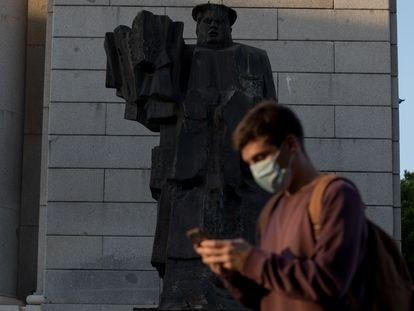 Estatua de Indalecio Prieto, en Madrid.