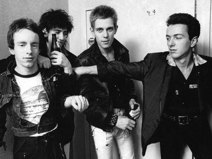 Los miembros de The Clash, en Nueva York en 1978. De derecha a izquierda, Nicky Headon (batería), Mick Jones (guitarra), Paul Simonon (bajo) y el líder de la banda, Joe Strummer (guitarra y voz).