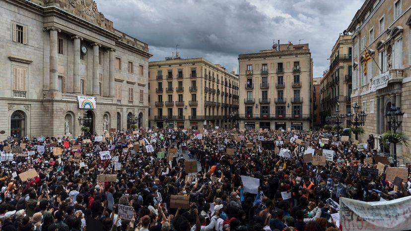 """[Ciutadans] Manifestación: """"Fuera el zorro del gallinero, Oficina Antifrau independiente"""" DPS53AE3HVFCDDPUVYBN6ZVZVA"""