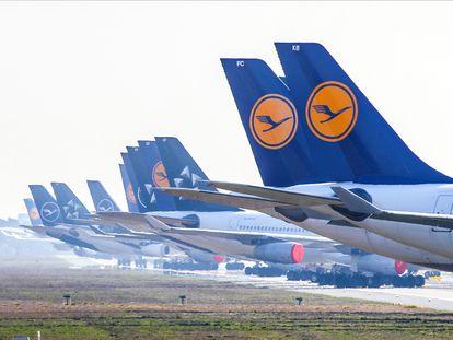 Aviones de Lufthansa en el aeropuerto de Fráncfort en abril.