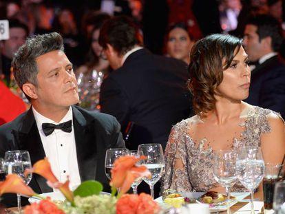 Alejandro Sanz y Raquel Perera en una gala en honor del cantante en noviembre de 2017.
