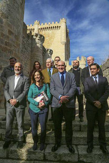 Los responsables de las principales bodegas junto a Óscar Becerra, director gerente de PRISA Revistas.