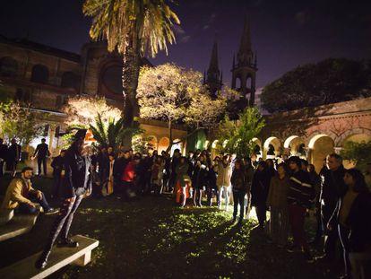 Noche de poesía en La Abadía, una de las sedes del FILBA en Buenos Aires.