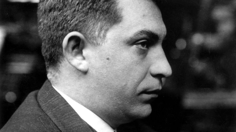 Retrato del periodista sevillano Manuel Chaves Nogales, alrededor de 1928