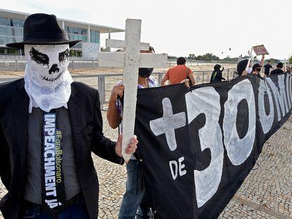Manifestación registrada el 26 de marzo en Brasilia contra el presidente Jair Bolsonaro por la gestión contra la pandemia de covid-19.