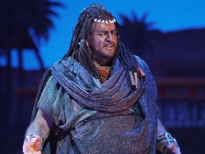 El barítono Joan Pons en la 'Aida' con la que se despide de los escenarios en el Liceo de Barcelona.