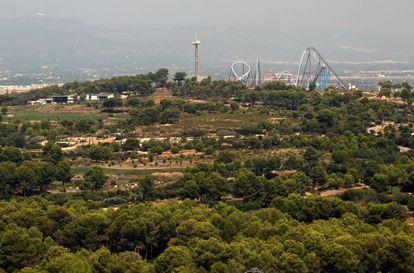 Vista de los terrenos destinados a BCN World, junto al parque Port Aventura.