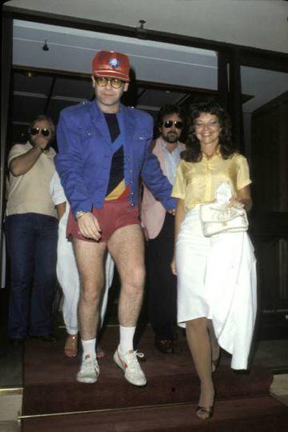 Así fue la fiesta tras la boda en Sidney el 14 de febrero de 1984 entre Elton John y Renate Blauel: ropa casual y colorines.
