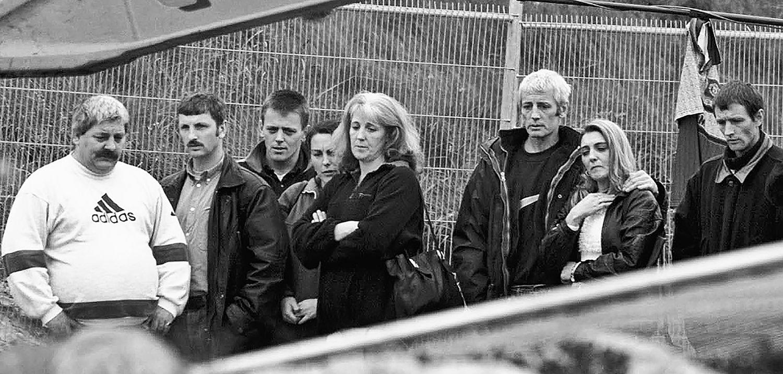 Los McConville esperan a la exhumación de los restos de su madre.