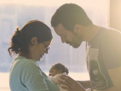 La previsión acordada, pendiente de la aprobación de los Presupuestos, es llegar a 16 semanas iguales e intransferibles para ambos progenitores en 2021