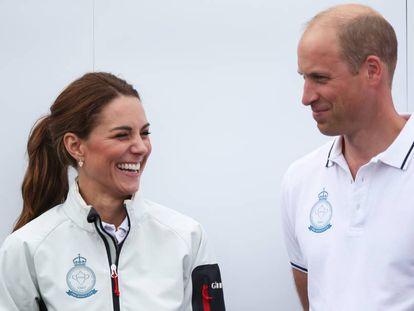 Kate Middleton y Guillermo de Inglaterra, en la regata The King's Cup en Cowes, Inglaterra, este mes.