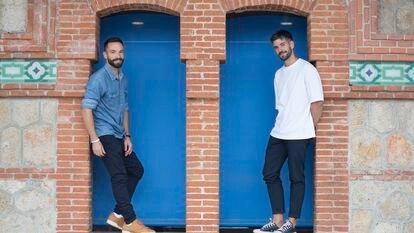 Bernardo Pajares (izquierda) y Juanra Sanz, al frente del 'podcast' 'Arte compacto', que esta temporada da el salto a Radio 5 (RNE).