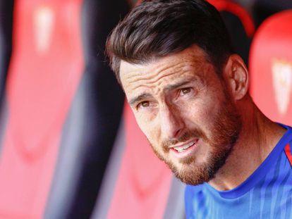 Aduriz durante un partido entre el Sevilla FC y el Athletic.