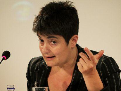 Carmen Castro, economista de género, en un momento de su charla en La Nau.