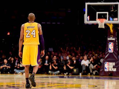 Kobe Bryant, el día de su retirada en 2016