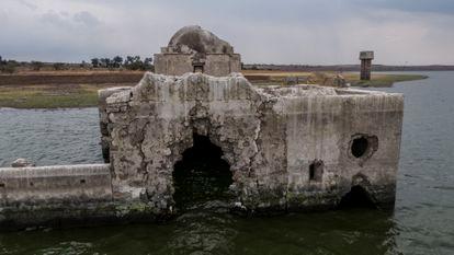 Hace poco más de 40 años que el templo no lograba verse en su totalidad.