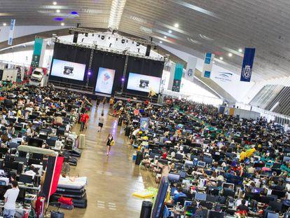 Imagen de la zona LAN del evento.