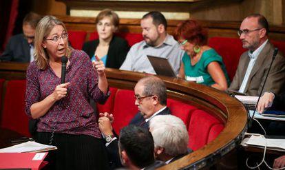 La consejera Neus Munté, en un pleno del Parlament.