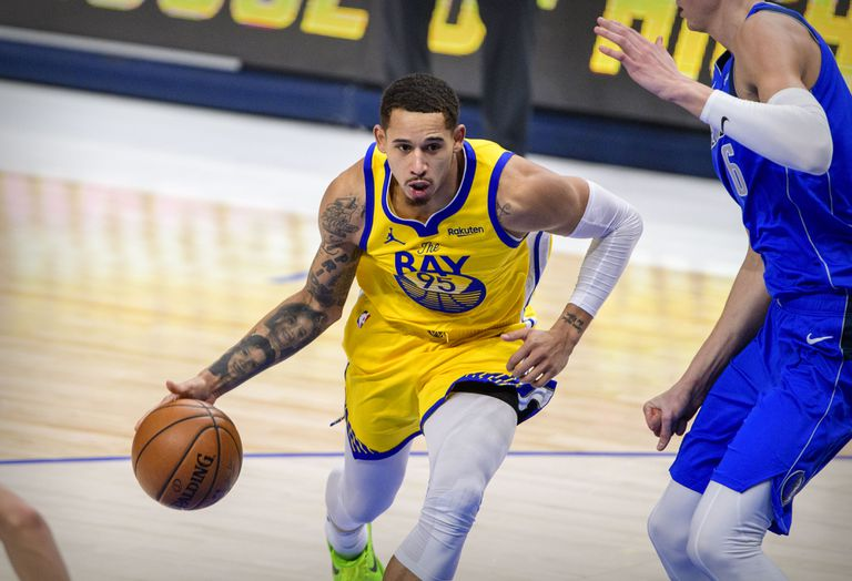 The Mexican Juan Toscano during a game between the Warriors and the Mavericks, on February 4.