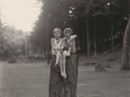 'Sin título', fotografía tomada en Eurana Park, Weatherly (Pensilvania), en 1982 por Judith Joy Ross.