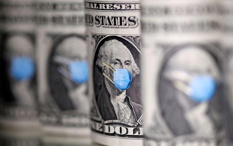 Un billete de dólar con George Washington enmascarado.