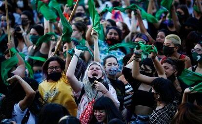 Una protesta a favor de la legalización del aborto en Argentina.