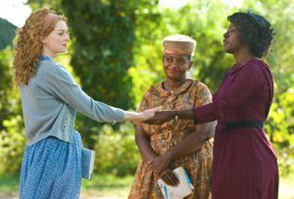 Una escena de 'Criadas y señoras', con Emma Stone