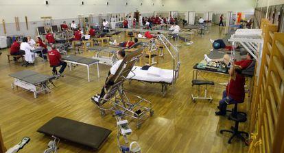 Sala de rehabilitación del hospital de Fremap en Sevilla.
