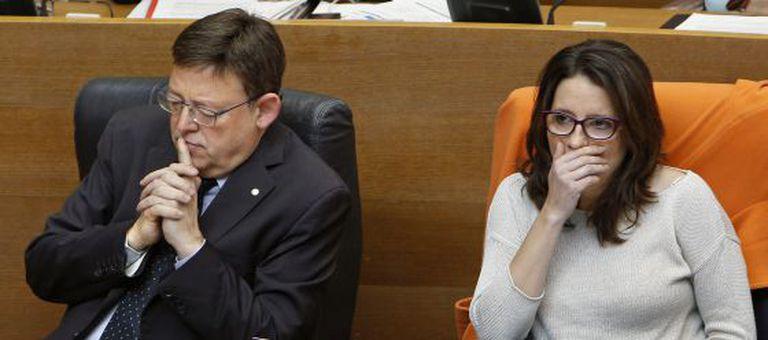 El presidente valenciano Ximo Puig y la vicepresidenta Mónica Oltra, en las Cortes Valencianas.