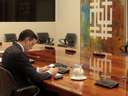 El presidente del Gobierno, Pedro Sánchez, durante una reciente reunión con los presidentes autonómicos.