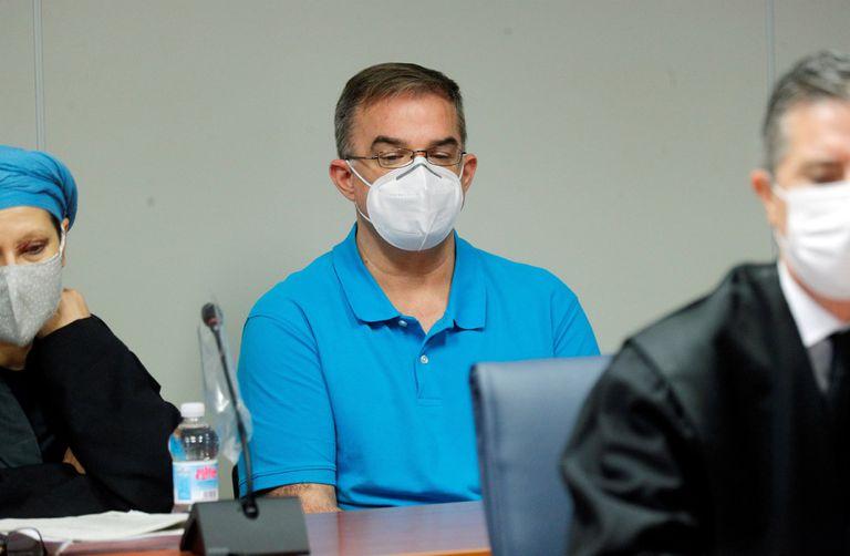 Salvador R. L., acusado del crimen en Patraix, durante la primera sesión del  juicio en València.