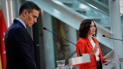 Pedro Sánchez e Isabel Díaz Ayuso en rueda de prensa tras una reunión para abordar la crisis sanitaria del coronavirus en la Comunidad de Madrid.