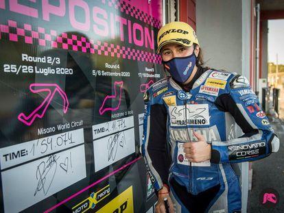 Beatriz Neila, tras lograr la 'pole' en el circuito de Imola hace una semana, en una imagen de la federación de motociclismo.