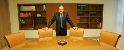 Florentino Pérez, presidente de ACS, en una sala de reuniones de la empresa.