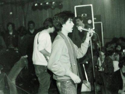 Los Trastos, en el concierto homenaje a Canito, en Caminos, febrero de 1980.