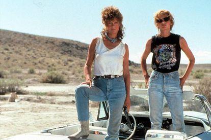 'Thelma y Louise', ejemplo de trama 'la forja de un héroe': personas que necesitan una experiencia transformadora, una aventura, un encuentro casual en la carretera de la vida.
