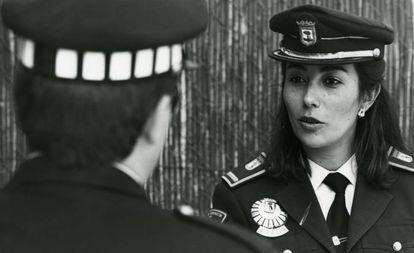 Teresa Gil, en 1990, cuando fue elegida subinspectora de la Policía Municipal de Madrid.